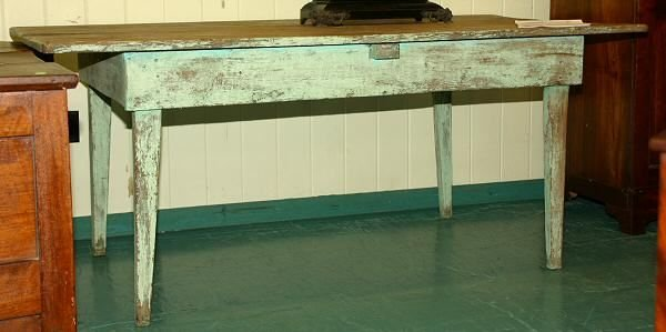 12: 19th c southern kitchen table. Yellow/heart pine, f