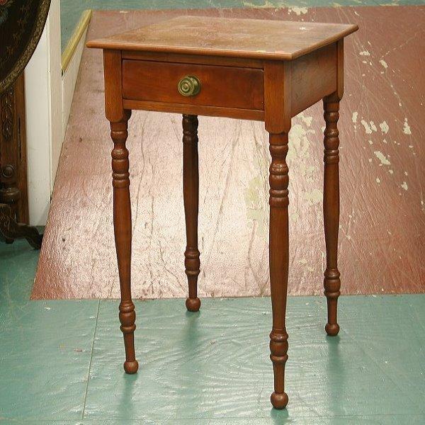 8: 19th Century Sheraton one drawer stand. Softwood, tu