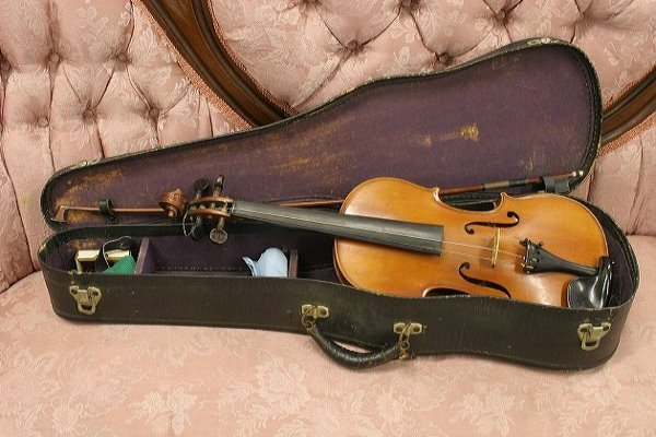 12: Nice quality student violin, tiger maple back and s