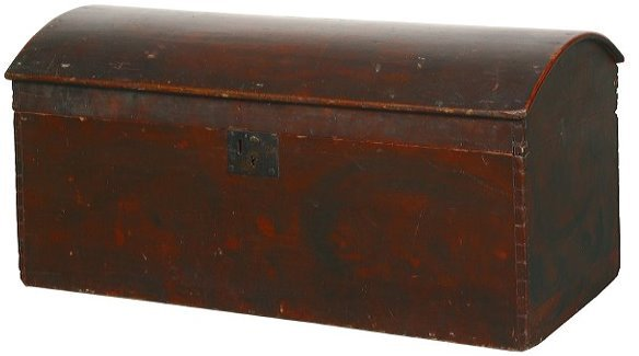 17: Mid 1900 dome top trunk, grain decorated, dove tail