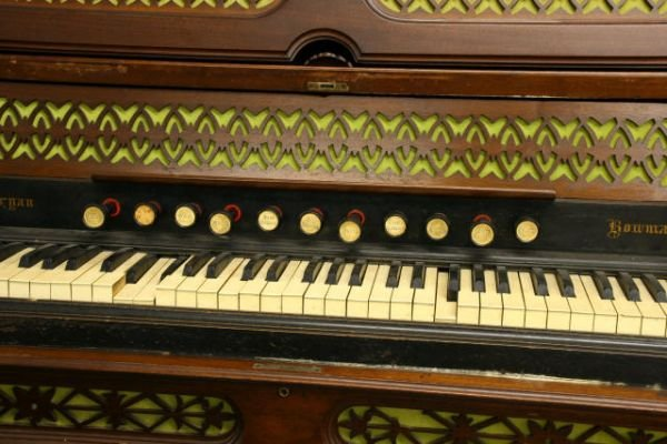"Dominion Auto Auction >> 150: 1870 Renaissance Victorian ""Pipe"" organ, Dominion"