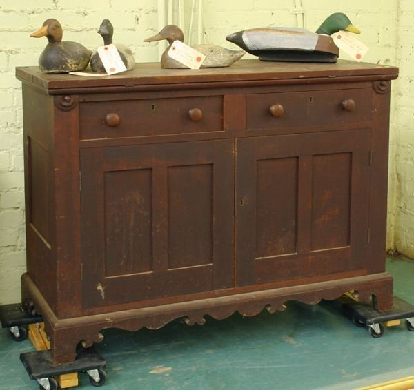 1024: Mid 1800 Victorian desk, solid walnut, fold out w