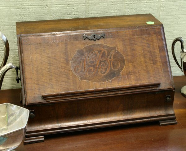 15: 19th century Chippendale style desk caddy, inlaid w