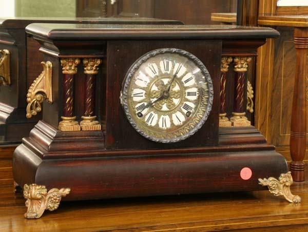 1009: Circa 1900 classical style mantle clock, molded c