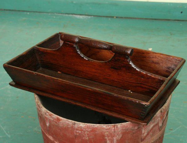 11: Early 1900 knife box, soft wood, turned handle on d
