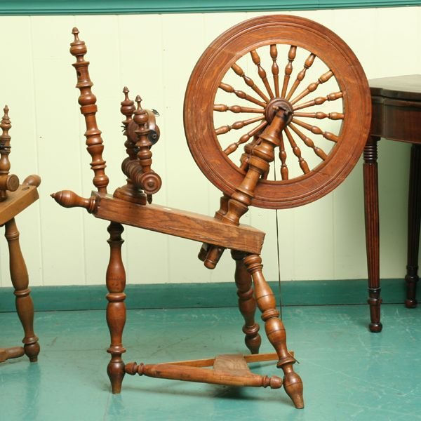 22: Fine 19th century spinning wheel, solid quarter saw
