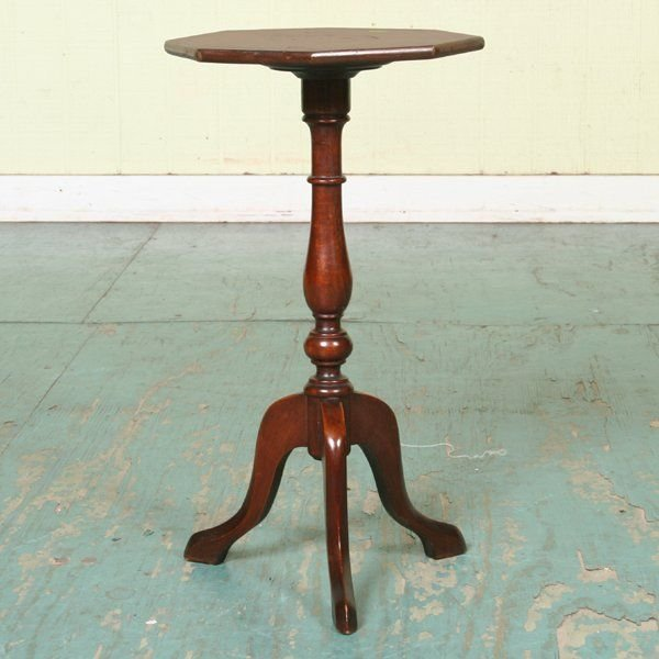 1004: Mid 1900 Colonial tabourette, mahogany, inlaid pa