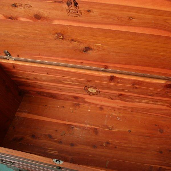 1106: Mid 1900's lift top cedar chest, Lane, Altavista, - 2