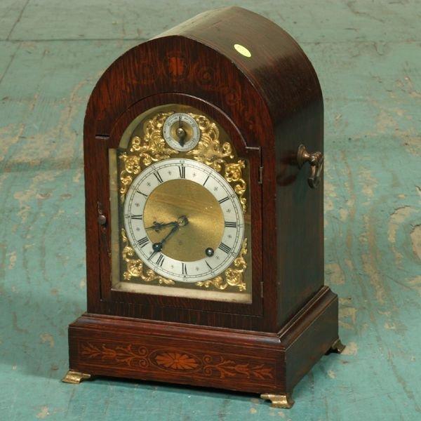 1007: Very fine early 1900 bracket clock, oak, scroll a