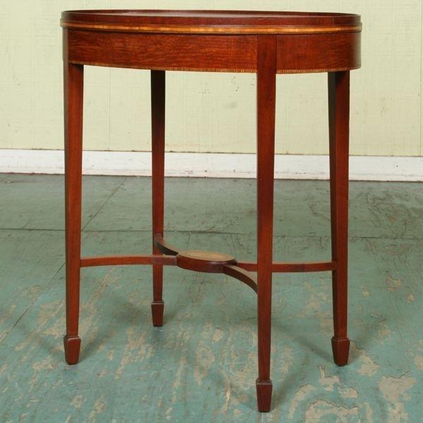 1008: Mid 1900's Hepplewhite style oval teatable, mahog