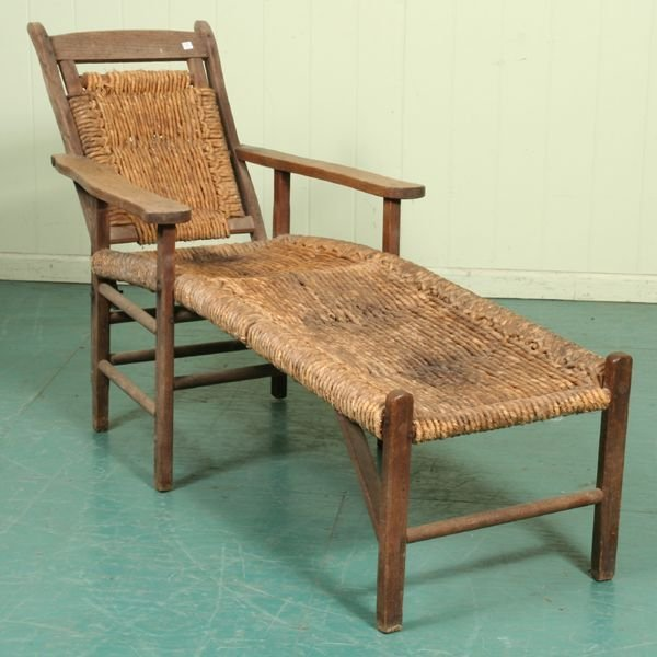 1016: Unusual early 1900's lounge chair from Ashville,