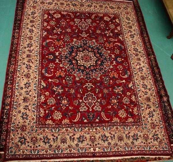 """16: Fine semi antique rug, 9'9"""" x 13'5"""", Persian Isfaha"""
