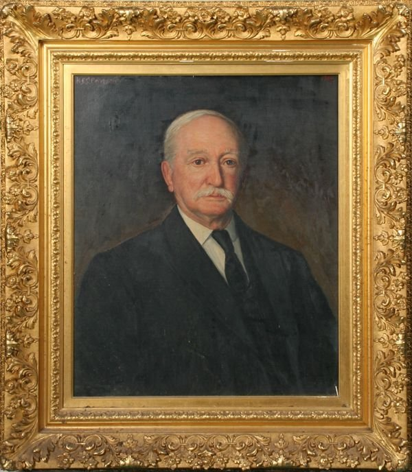 19: Large early 20th century portrait of gentleman, oil