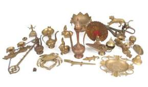 1432 Misc lot of metal ware copper brass and variou