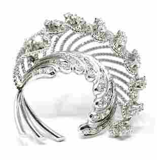 Vintage 18k Ladies Diamonds Brooch