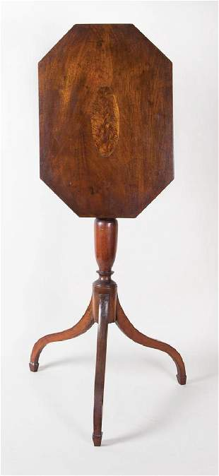EARLY 19TH C. HEPPLEWHITE CANDLESTAND New England,