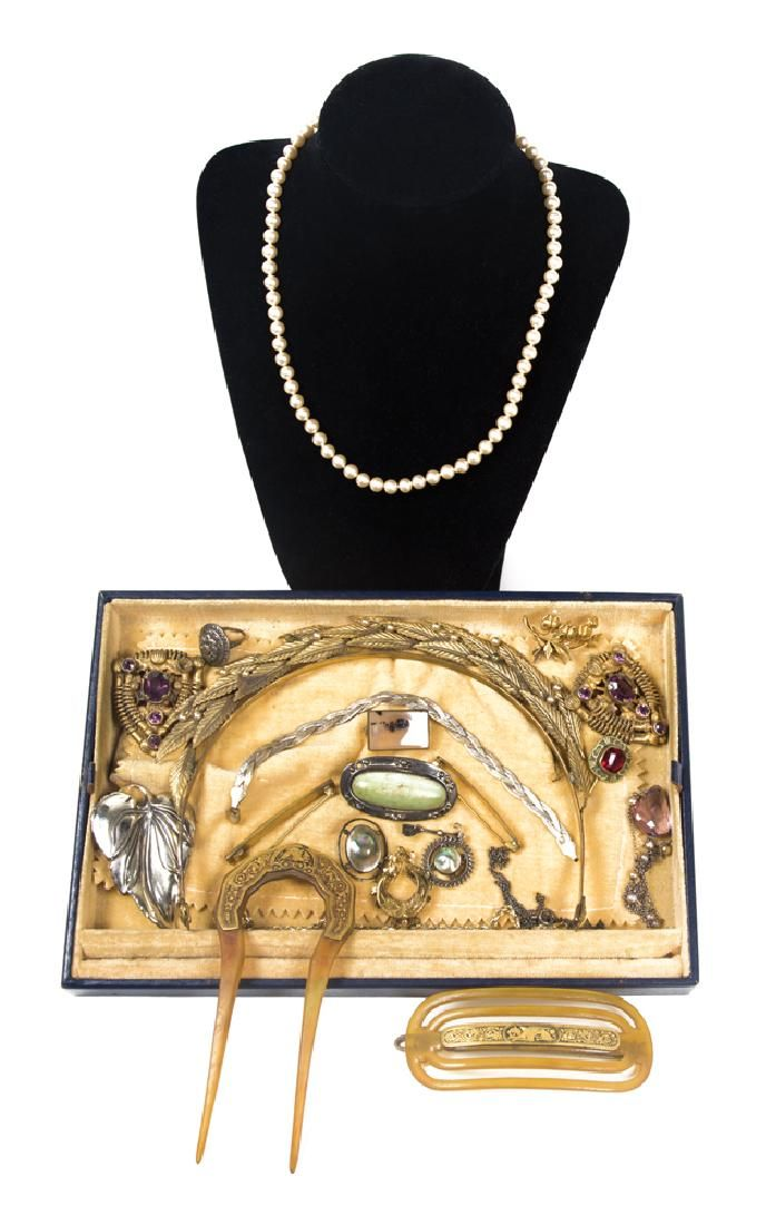 COLLECTION OF VICTORIAN JEWELRY Includes 10K gold