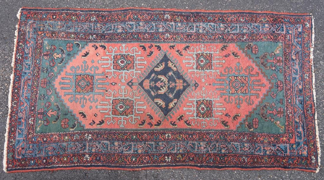 PERSIAN MALAYER SCATTER RUG Rust field with diamond