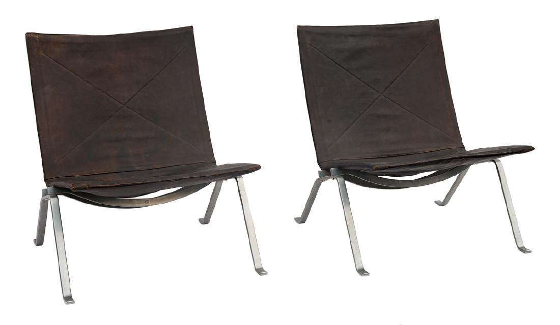 PAIR OF DANISH PK-22 LOUNGE CHAIRS Lounge chairs by