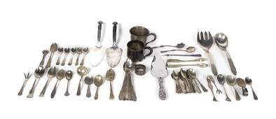 MIXED STERLING SILVER FLATWARE Collection of flatware