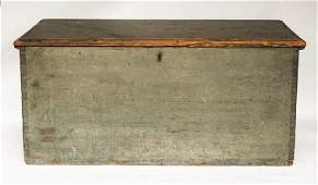 LATE 18TH/EARLY 19TH C. COUNTRY BLANKET BOX New