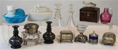 19TH/EARLY 20TH C. GLASS OBJECTSBlue and white milk