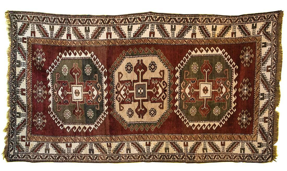 SHIRVAN/KAZAK RUGThree medallions, all wool, natural