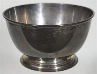 STERLING BOWLFooted, sterling silver fruit bowl, 24.03
