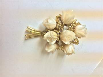 14kt yellow gold bouquete of flowers brooch
