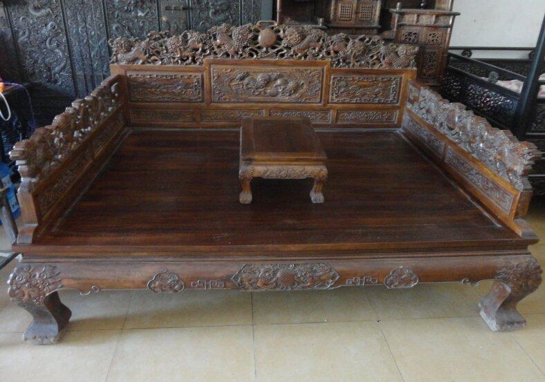 huanghuali carved lion Ocean bed