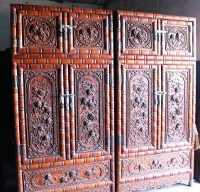 China Huanghuali Lion Sculpture Top Cabinet