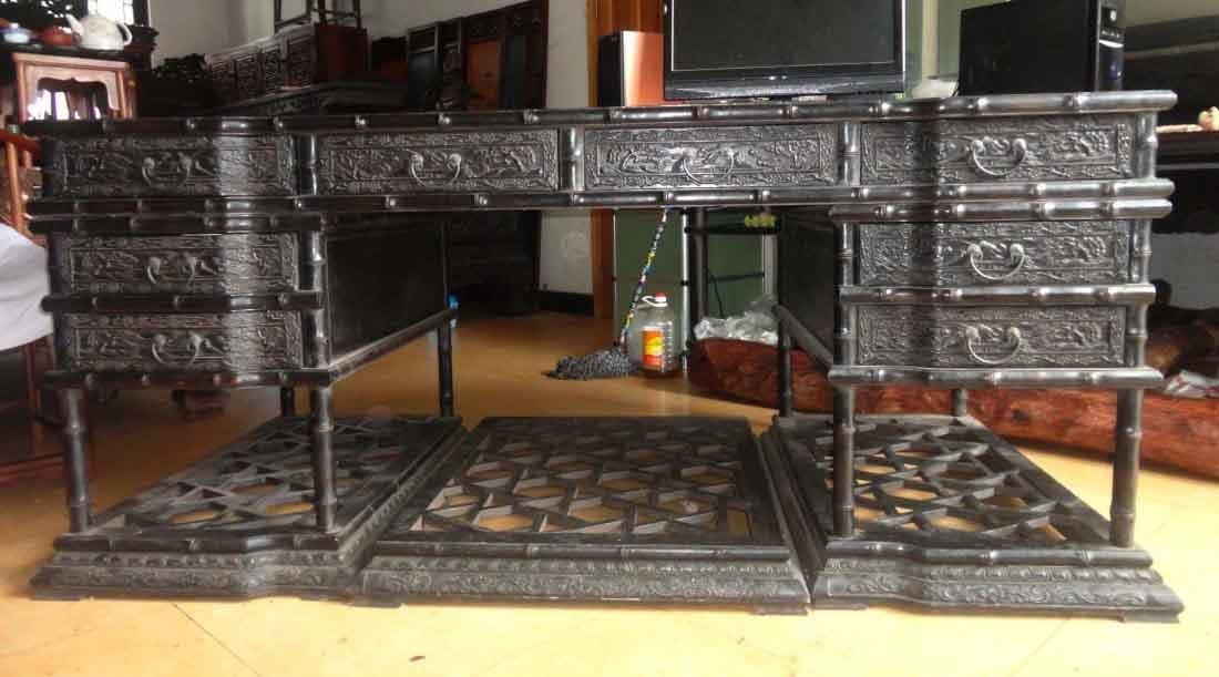 Rosewood Qing Dynasty desk