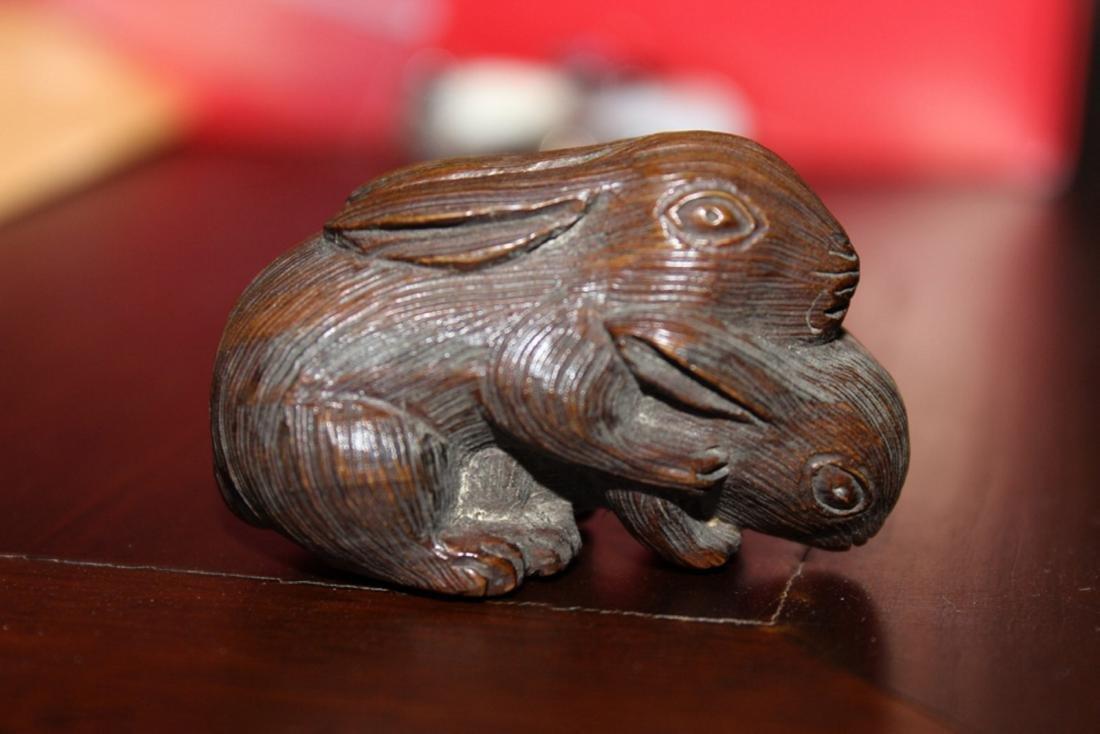 Antique Japanese / Asian Wood Netsuke of Two Rabbits - 2