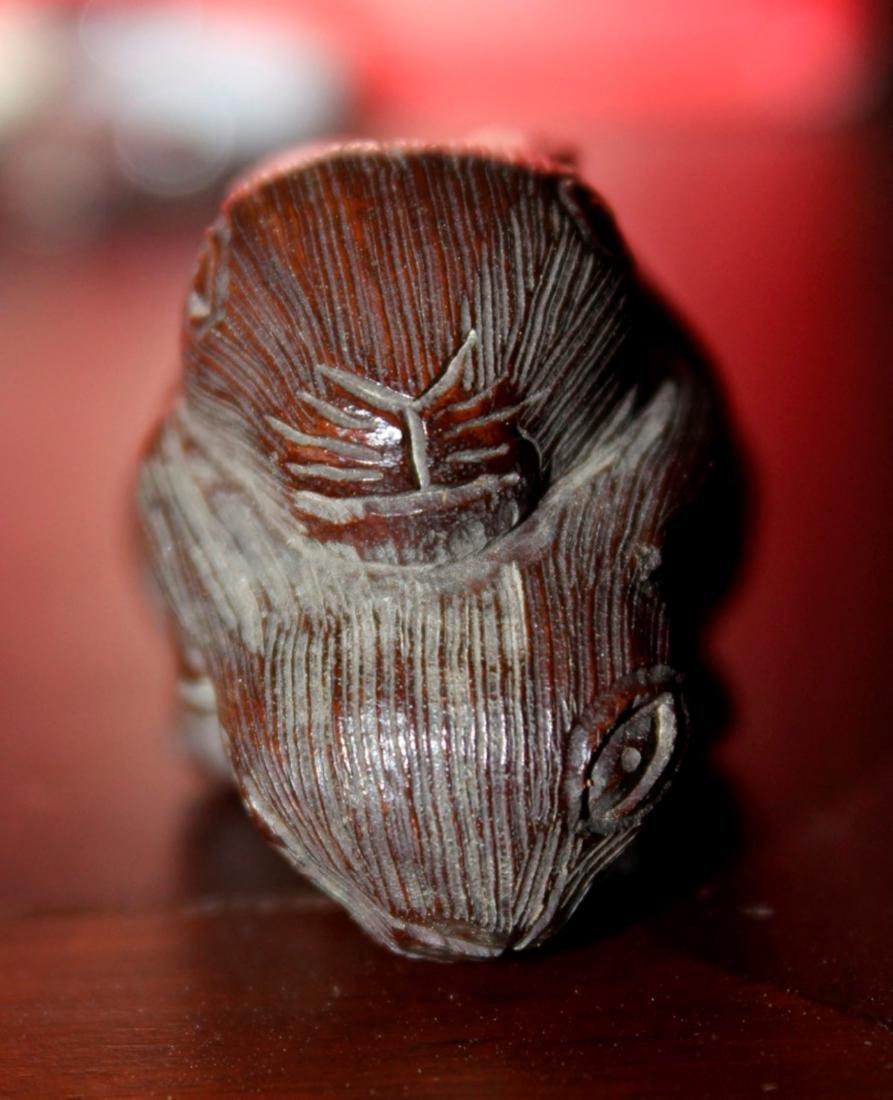 Antique Japanese / Asian Wood Netsuke of Two Rabbits - 3