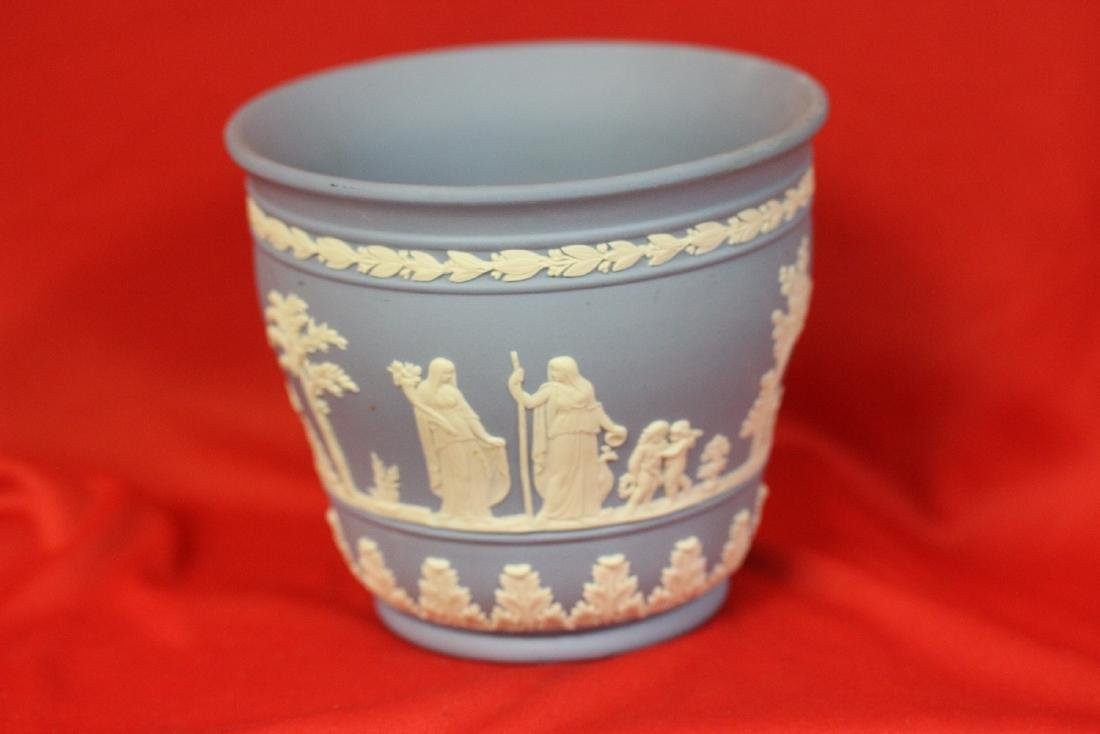 A Wedgwood Jasperware Planter