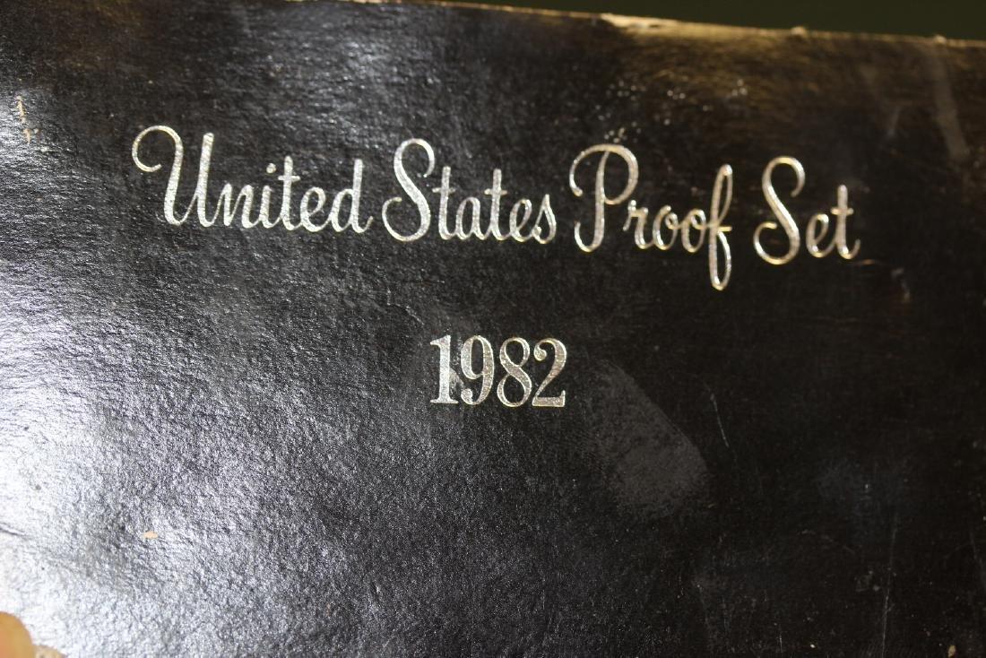 A 1982 US Proof Set - 3