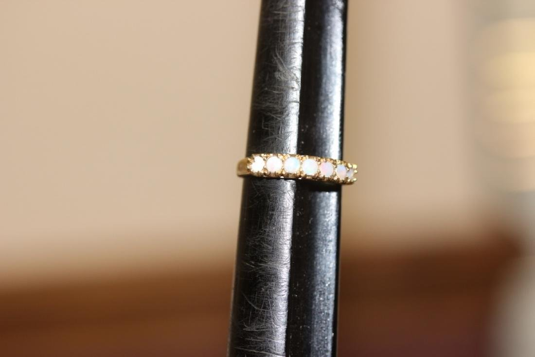 A 10Kt Gold and Opal Ring - 2