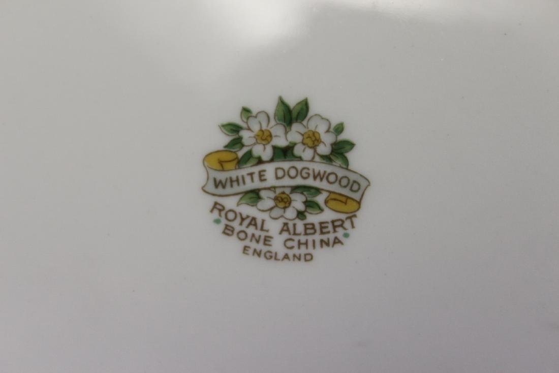 A Royal Albert Vegetable Dish - 2