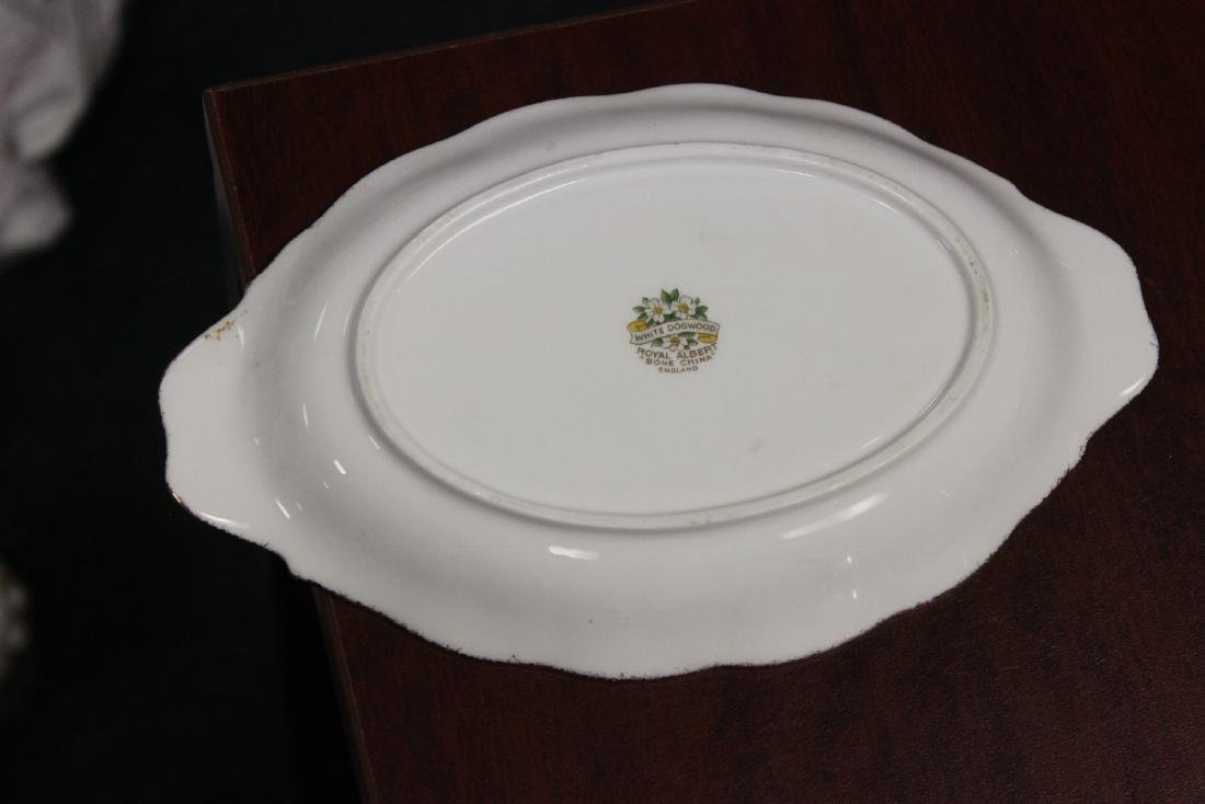 A Royal Albert Vegetable Dish - 3