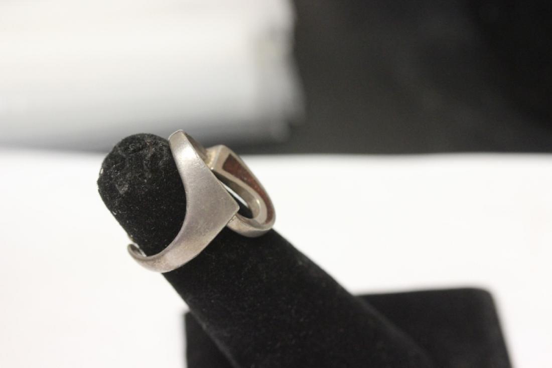 A Sterling Enamel Ring - 2