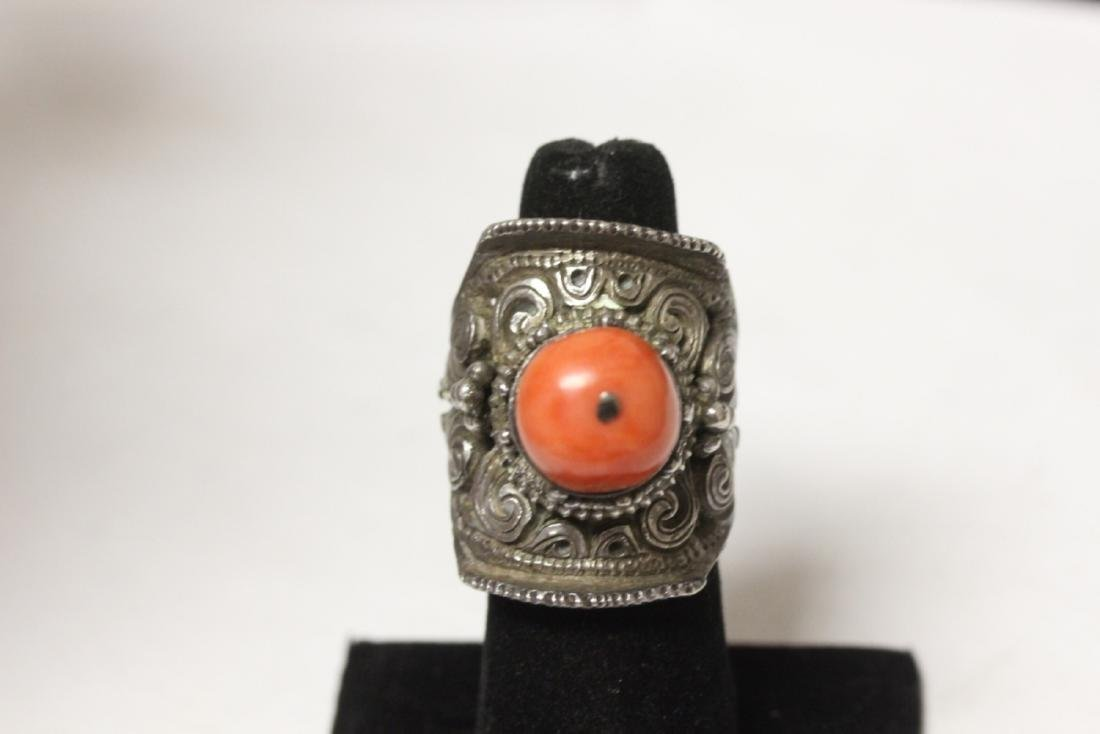 A Very Beautiful Chinese Coral and Carved Sterling Ring - 2