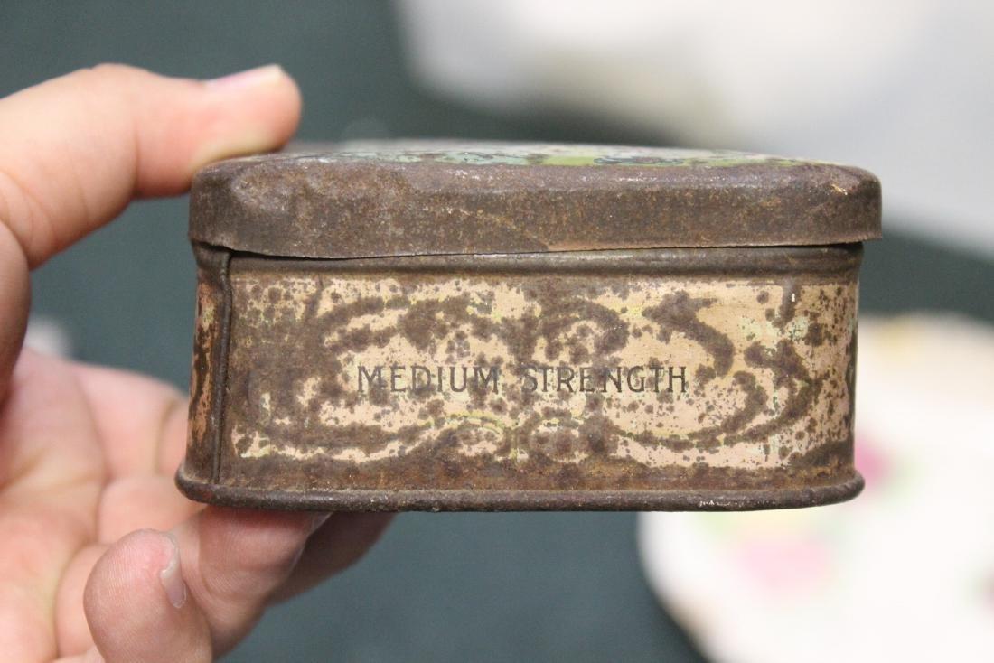 """A Vintage """"Bond of Union"""" Tobacco Tin - 4"""