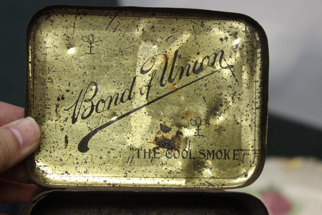 """A Vintage """"Bond of Union"""" Tobacco Tin - 7"""