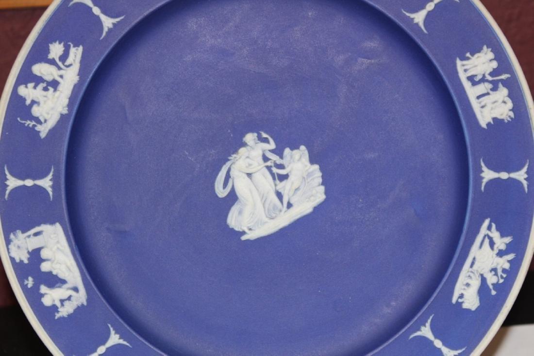 A Wedgwood Jasperware Plate - 2