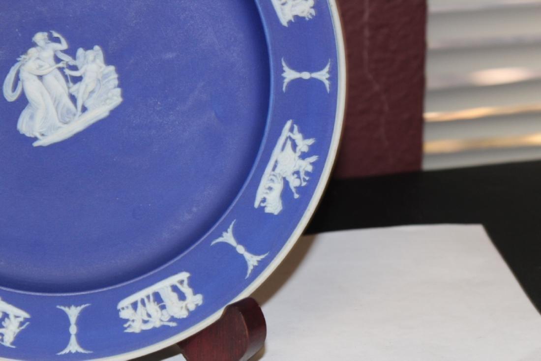 A Wedgwood Jasperware Plate - 3