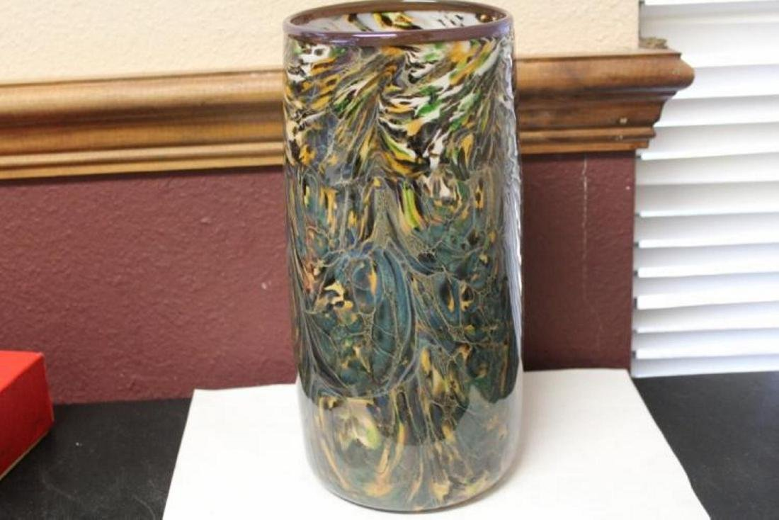 An Art Glass Cylinder Vase
