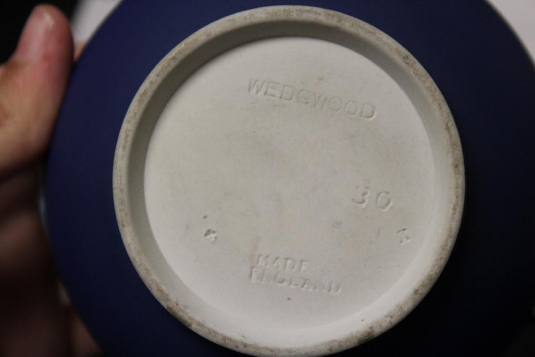 A Wedgwood Jasperware Sugar Container - 6