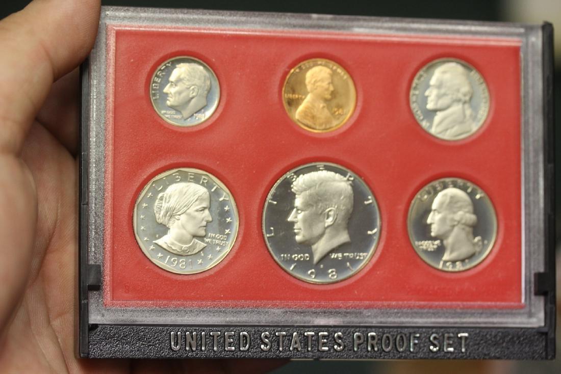 A 1981 US Mint Set