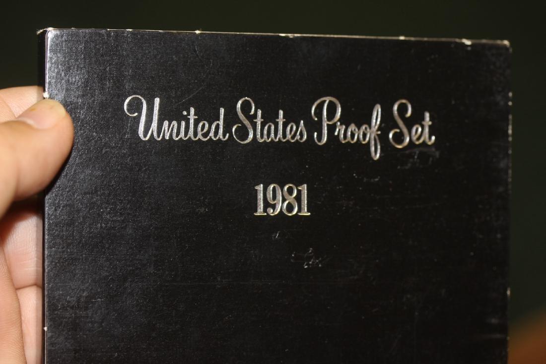 A 1981 US Mint Set - 2