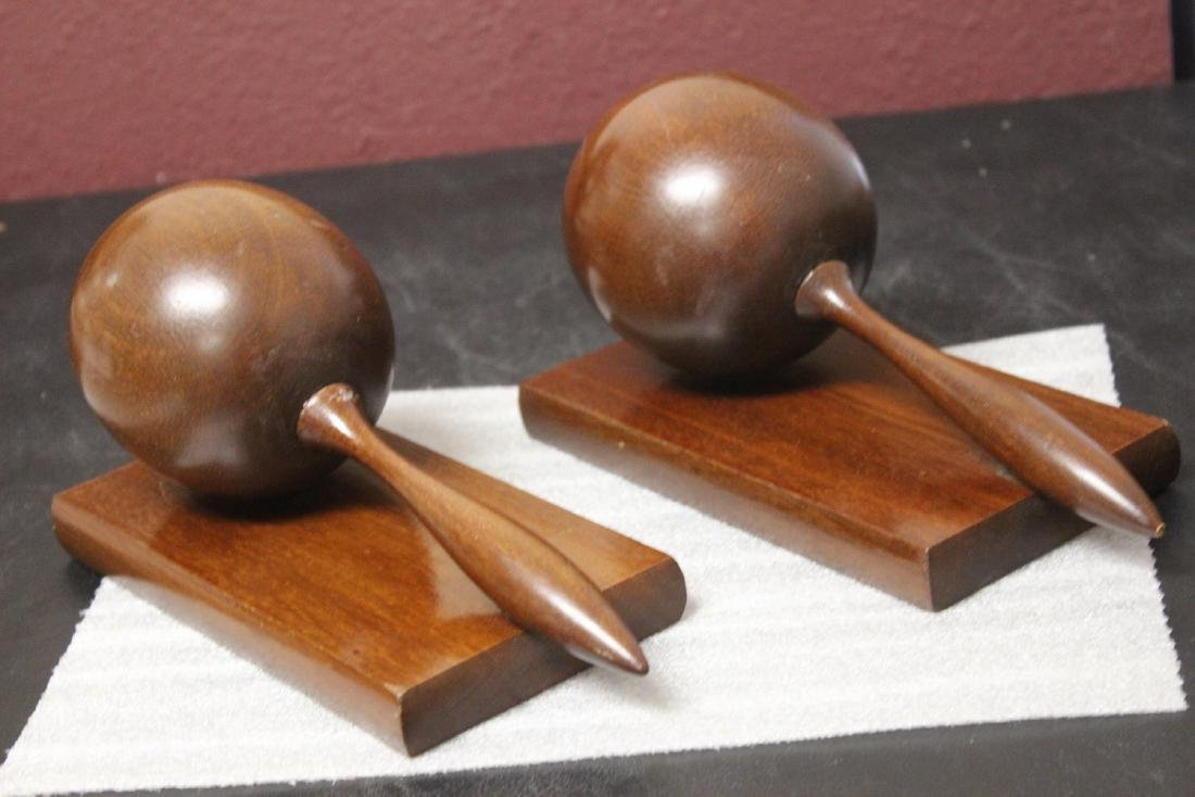 A Maracca Set of Bookends - 3